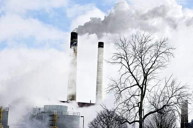 jakość powietrza i smog we Wrocławiu dzisiaj. Dane z airly i wioś