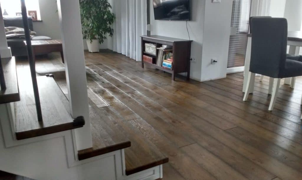 dębowa podłoga olejowana po renowacji