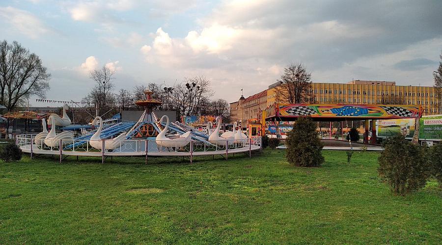 wesole miasteczko lunapark plac społeczny, lunapark wesołe miasteczko przy magnolii 2019