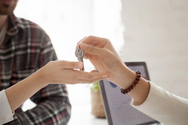 pcg para dostaje klucze do nowego domu koncepcja transakcji nieruchomosci