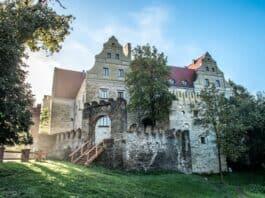 zamek uroczysko siedmiu stawów